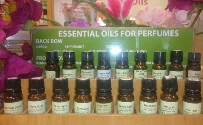 Make Your Own Natural Perfume Workshop @ Woodland Herbs